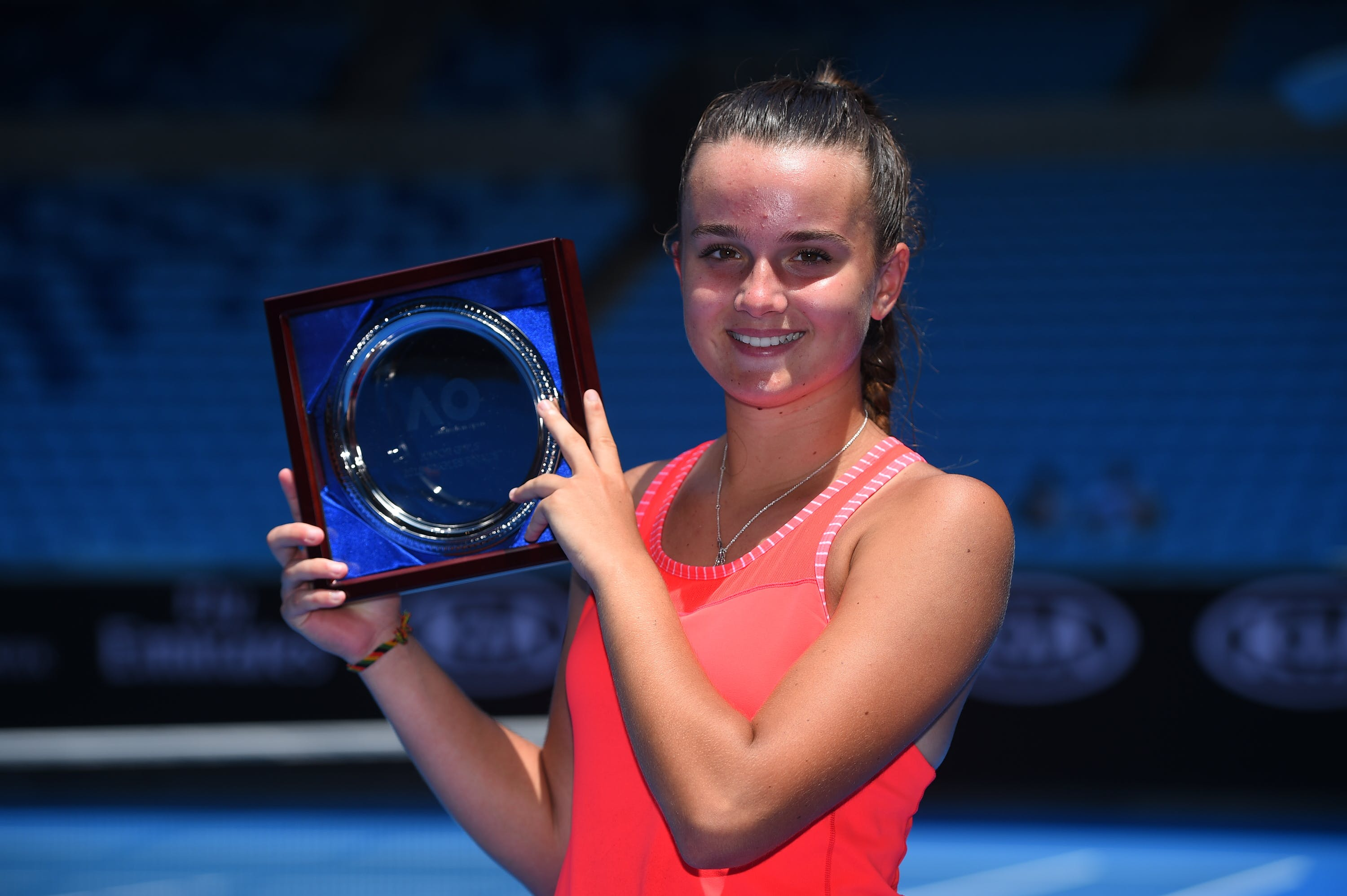 Clara Burel presenting her finalist plate at the 2018 Australian Open