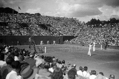 Marcel Bernard Yvon Petra finale double Roland-Garros 1946 contre Morea et Segura / Bernard and Petra, 1946 men's doubles final French Open (vs Morea and Segura).