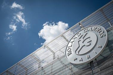 Logo Roland-Garros entrée du stade