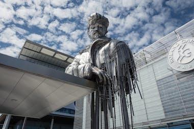 Roland Garros statue