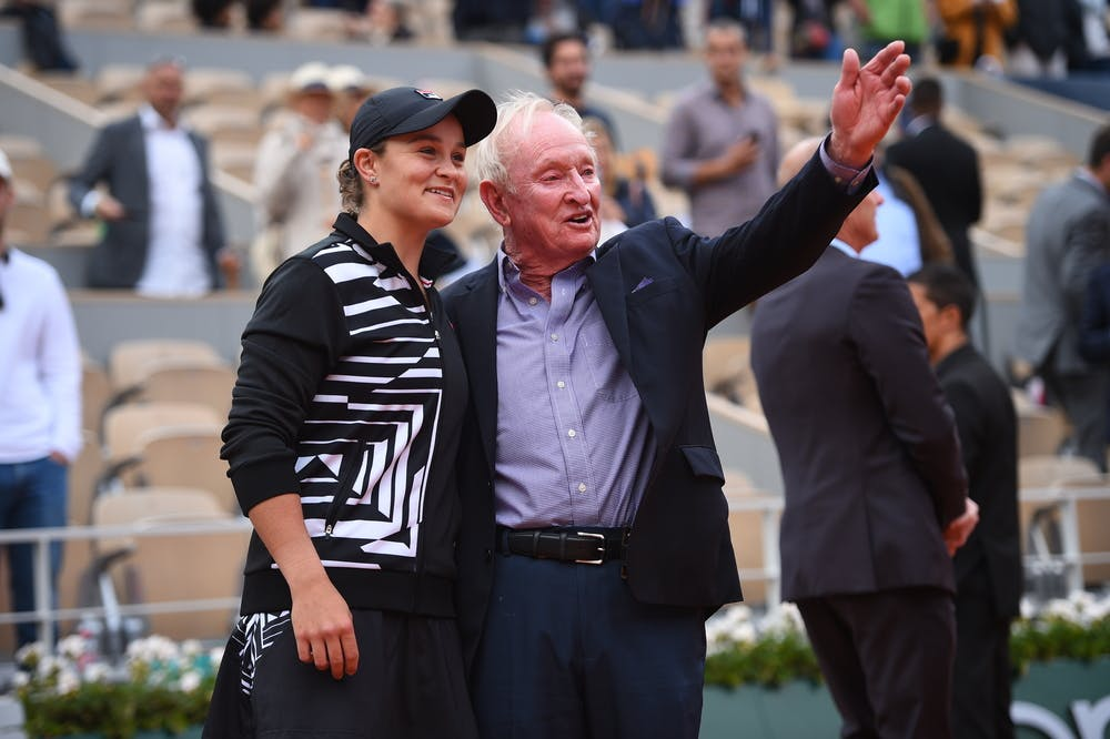 Ashleigh Barty and Rod Laver talking together after the 2019 Roland-Garros final