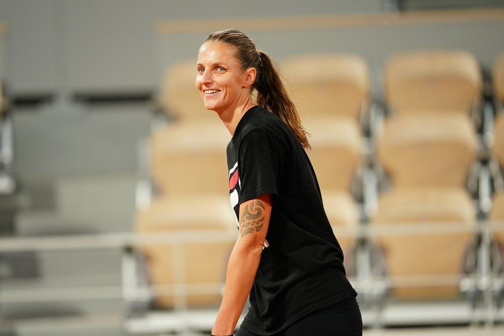 Karolina Pliskova smiles during a practice at 2020 Roland-Garros