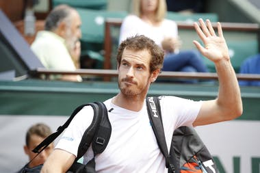 Andy Murray waving at Roland-Garros 2017