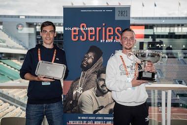 Vainqueur et finaliste des Roland-Garros eSeries by BNP Paribas 2021