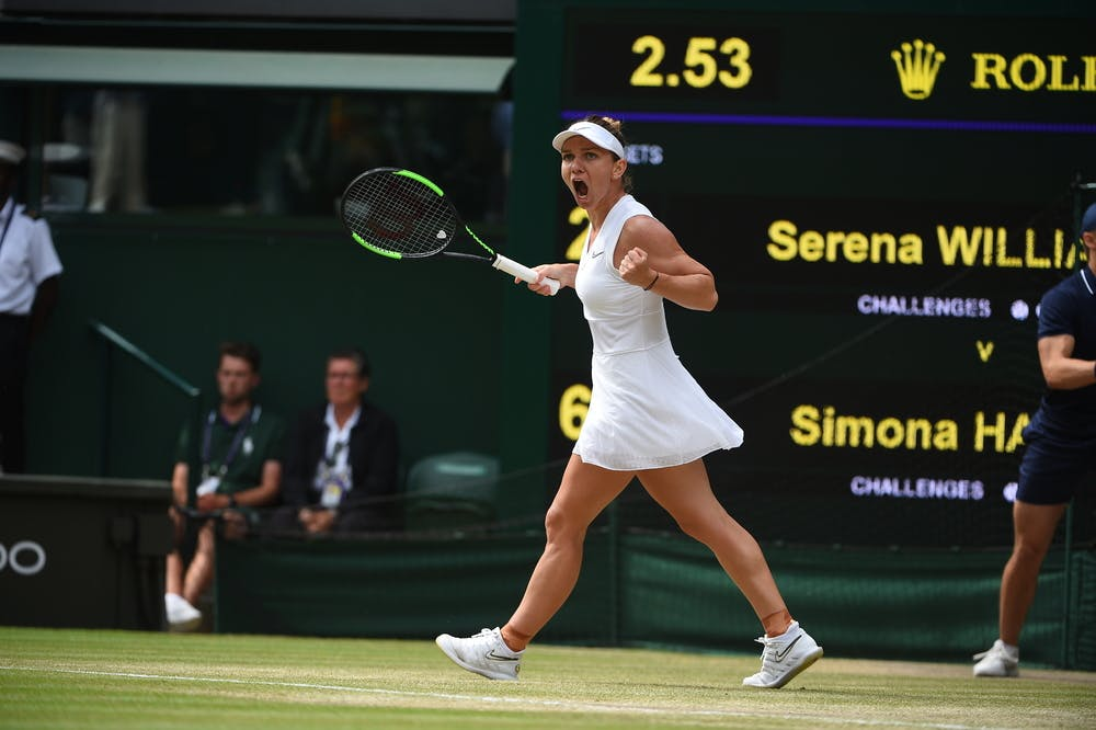 Simona Halep shouting in front of the score boeag Wimbledon 2019 final