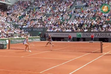 Serena Williams remporte Roland-Garros face à Maria Sharapova en 2013