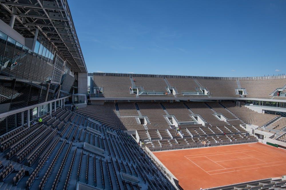 Le nouveau court Philippe-Chatrier avant le début de Roland-Garros 2019.