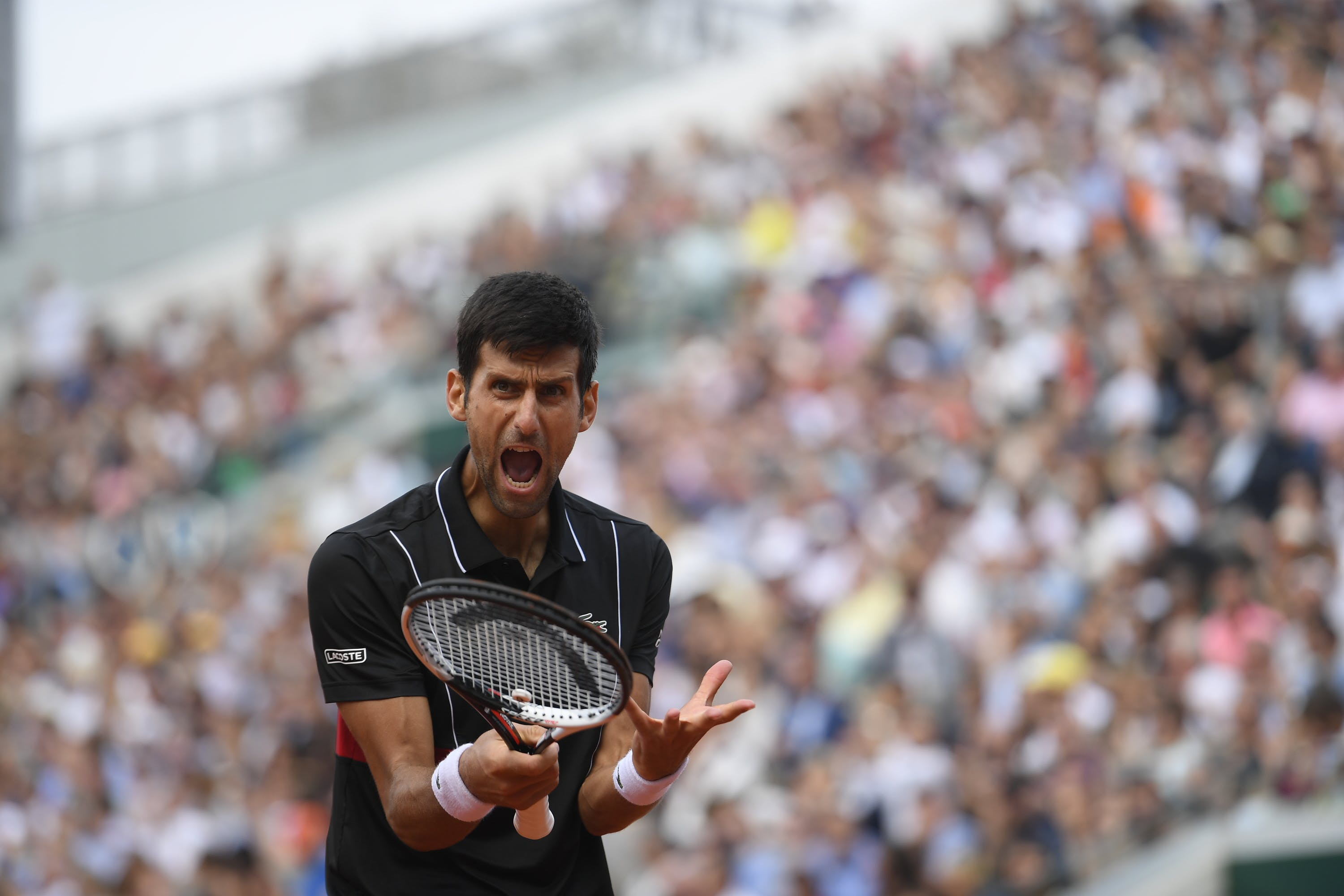 Novak Djokovic angry at himself during Roland-Garros 2018