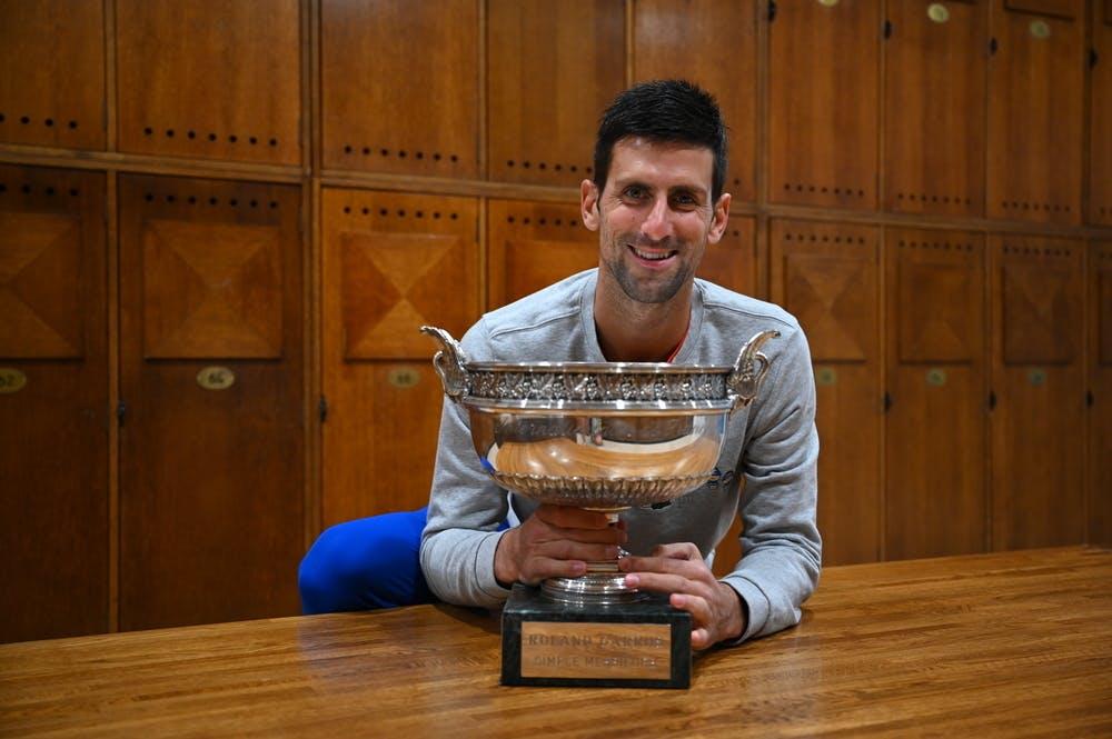Novak Djokovic, Roland Garros 2021, locker room trophy shoot