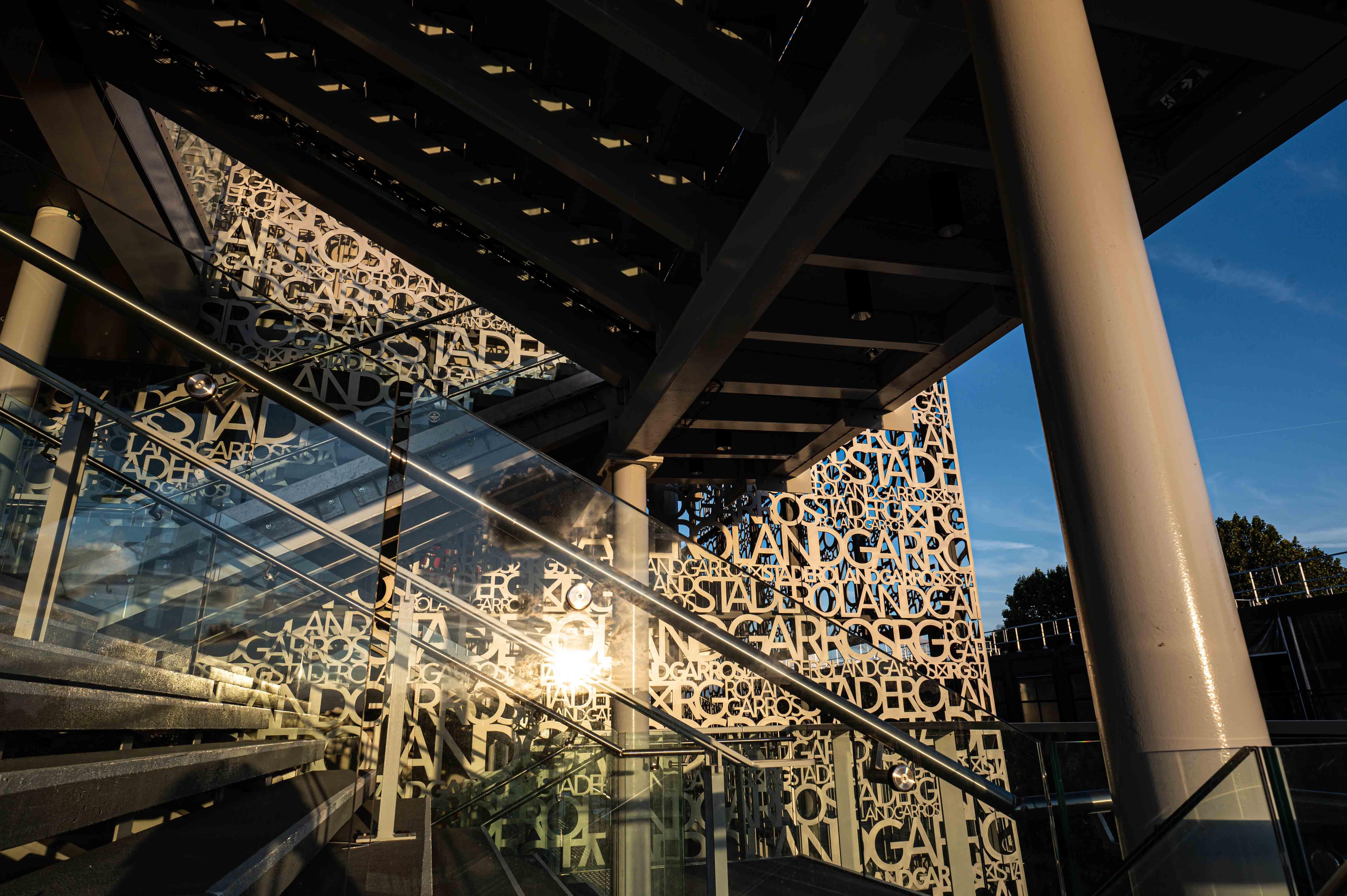 Rays of light roland-Garros stadium September 2020