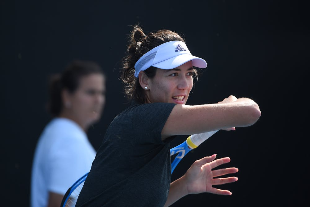 Garbiñe Muguruza et Conchita Martinez à l'entraînement pendant l'Open d'Australie 2020