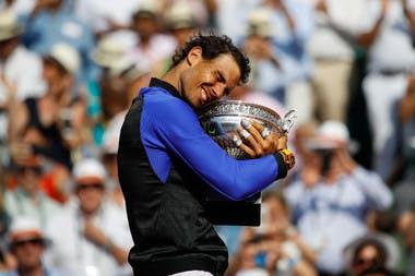 Rafael Nadal Roland-Garros 2017 champion coupe des Mousquetaires.