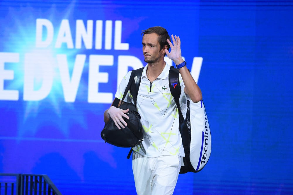 Daniil Medvedev wawing to the crowd at the 2019 US Open