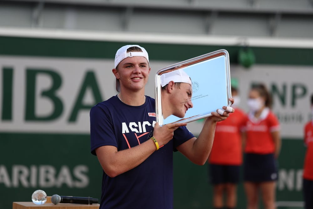 Dominic Stephan Stricker, Roland Garros 2020, junior final, trophy