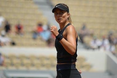 Paula Badosa fist pumping during Roland-Garros 2021