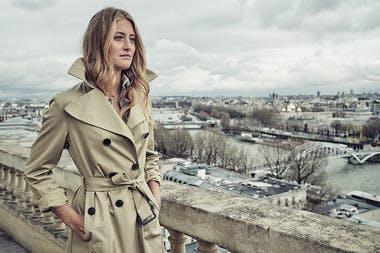 Kristina Mladenovic pose pour