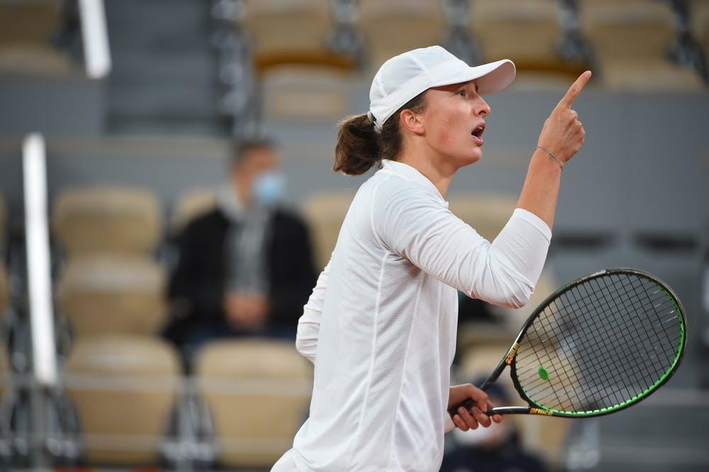Iga Swiatek, Roland Garros 2020, fourth round