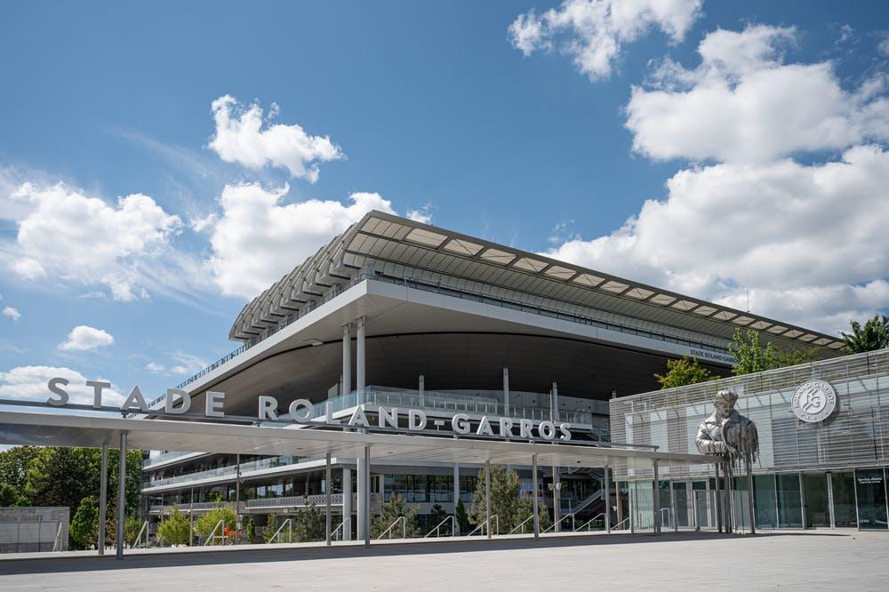La nouvelle entrée du public du stade Roland-Garros avec la statue de l'aviateur 2021