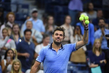 Stan Wawrinka getting prepared to send balls in the crowd at the 2019 US Open