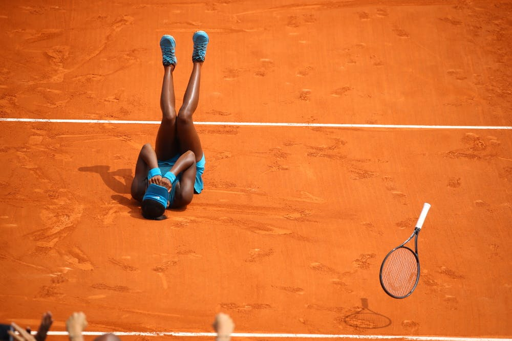 Coco Gauff winning the Roland-Garros juniors 2018 title