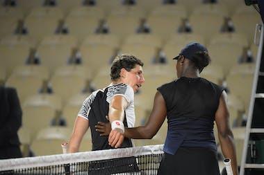 Carla Suarez Nvarro and Sloane Stephens, Roland-Garros 2021, first round