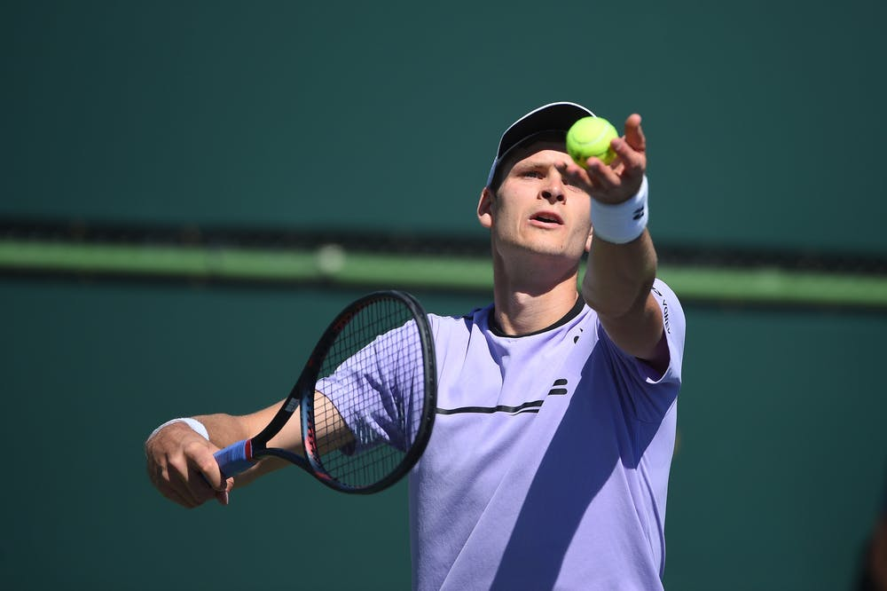 Hubert Hurkacz serving at 2019 Indian Wells