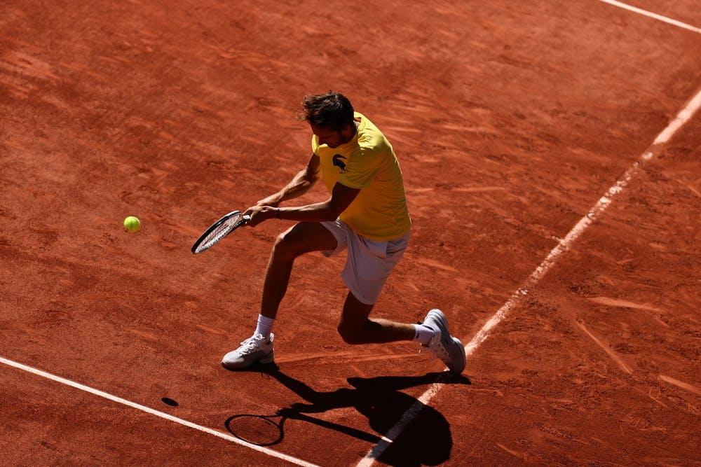 Daniil Medvedev, practice, Roland-Garros 2021