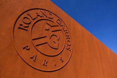 Roland-Garros Paris logo.
