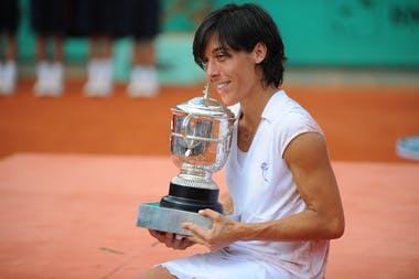 Francesca Schiavone with her trophy at Roland-Garros 2010