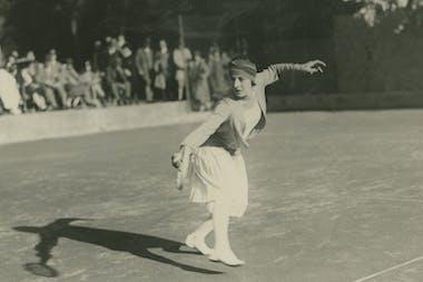 Suzanne Lenglen, Roland Garros, fashion, history