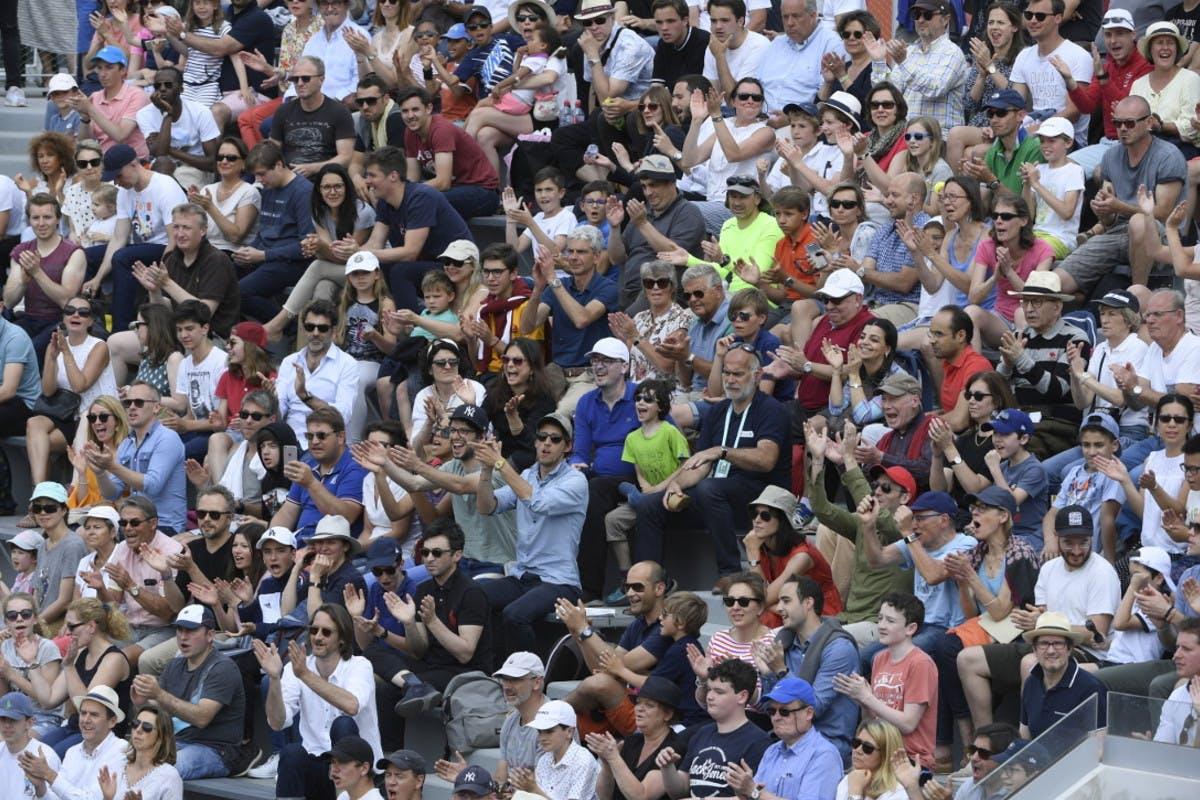 ambiance court n°18 Roland-Garros crowd.