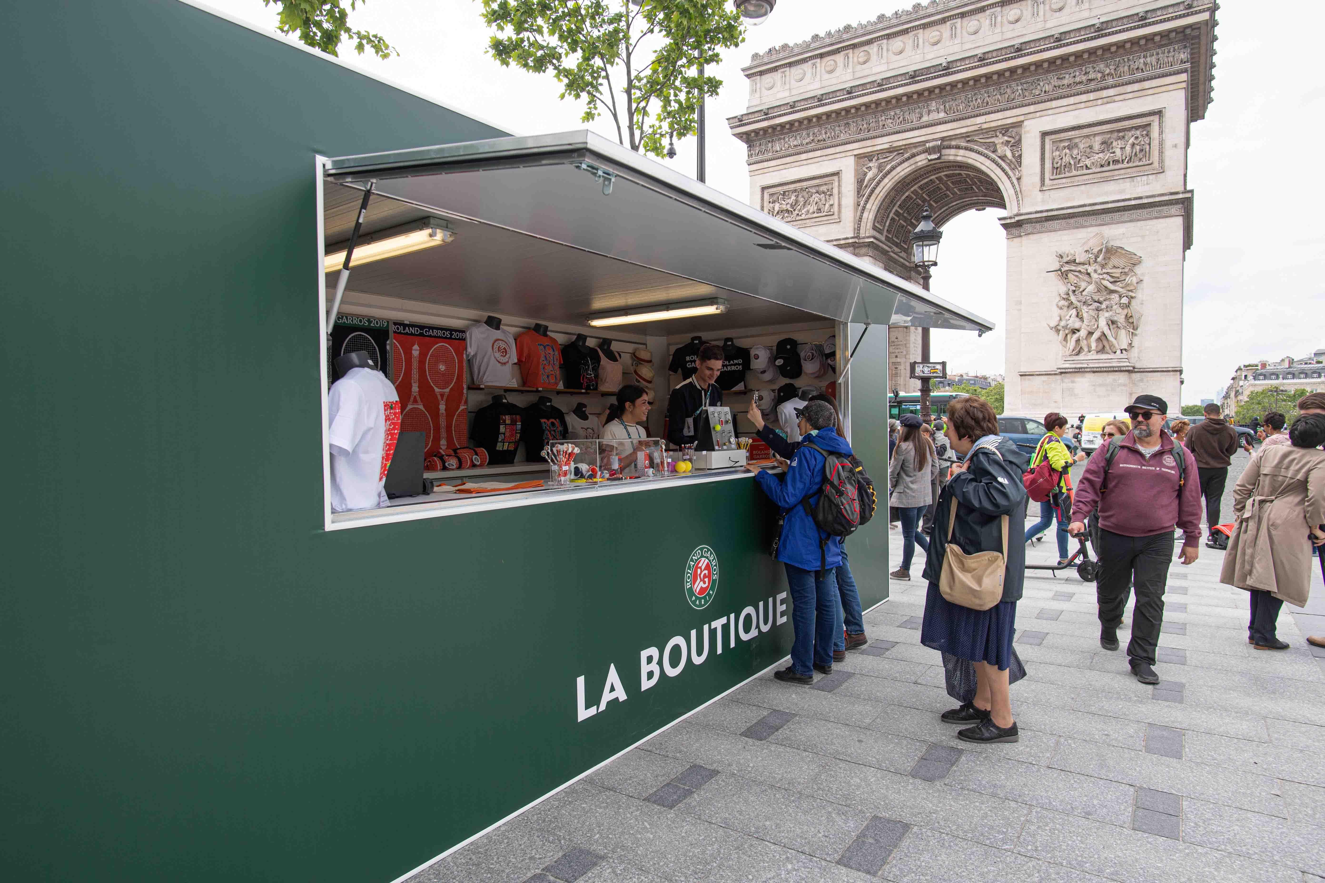 Pop-up store sur les Champs-Elysées à Paris La Griffe 2019