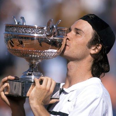 Carlos Moya Roland-Garros 1998 champion.