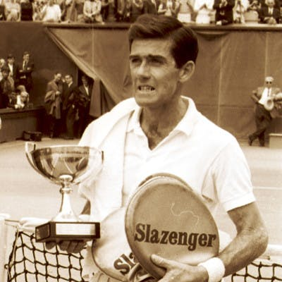 Ken Rosewall vainqueur de Roland-Garros 1968, avec Roger Cirotteau président de la FFT / Ken Rosewall French Open 1968 champion.