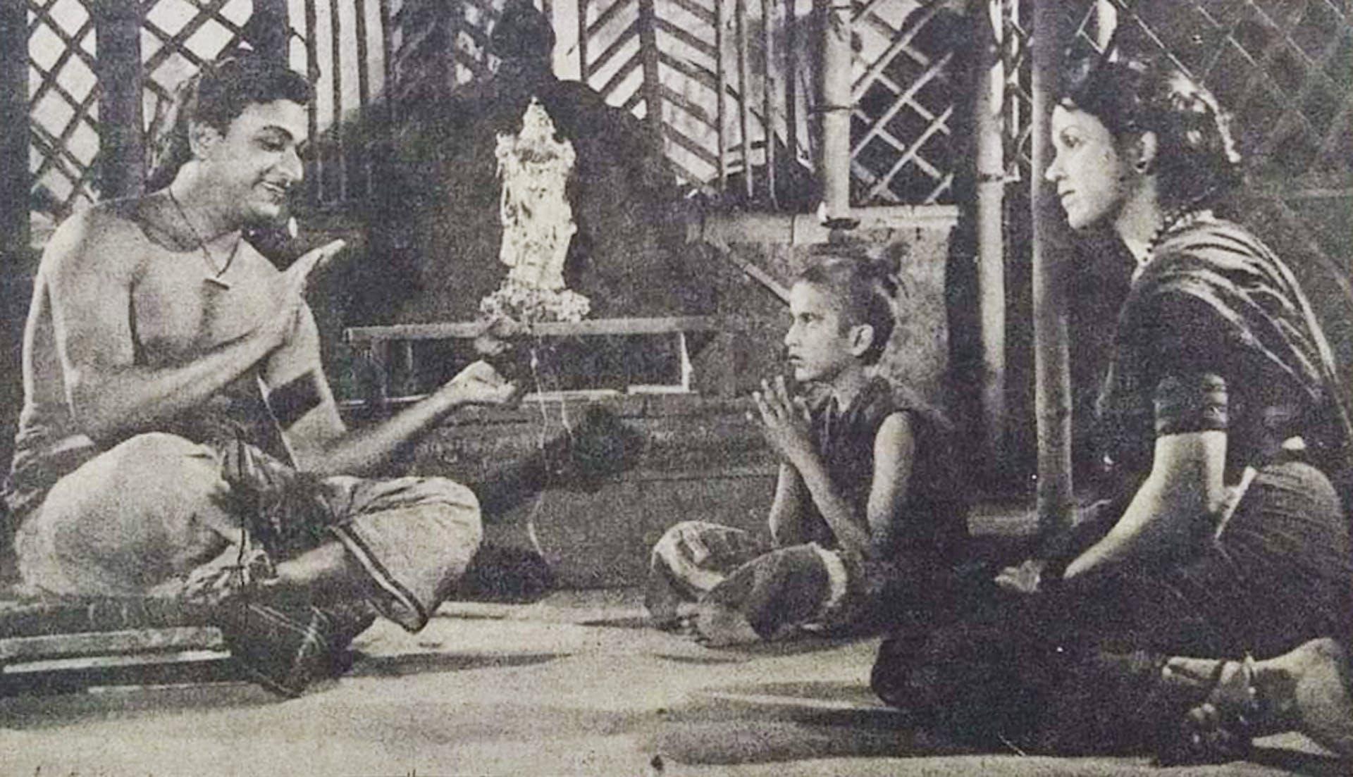 A still from the film Bhakta Cheta (1961) starring Dr. Rajkumar, Pratima Devi and S.V. Rajendra Singh (the child actor here). Photograph by MRK Murthy