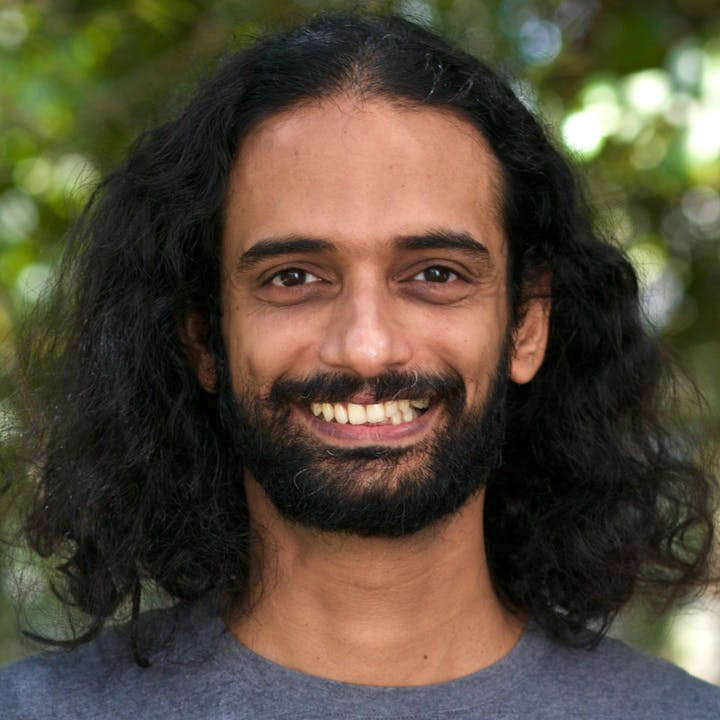 Vinay Aravind - Author, FiftyTwo.in