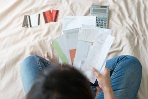 Perte de revenus, chômage : le regroupement de crédits est peut-être une solution