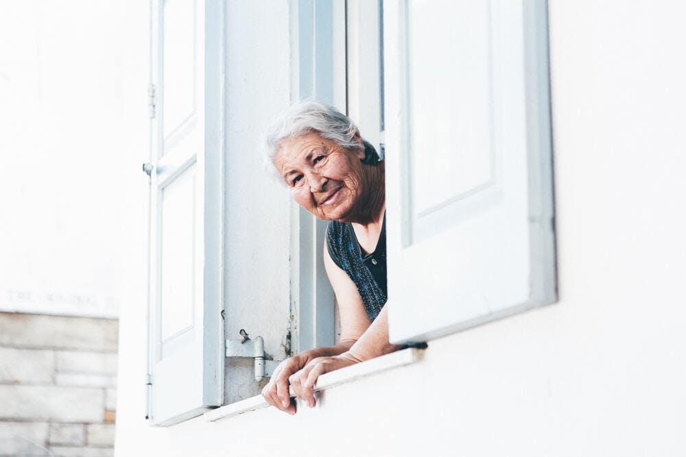 Sous-location logement personne âgée ou handicapée - Nick Karvounis on Unplash