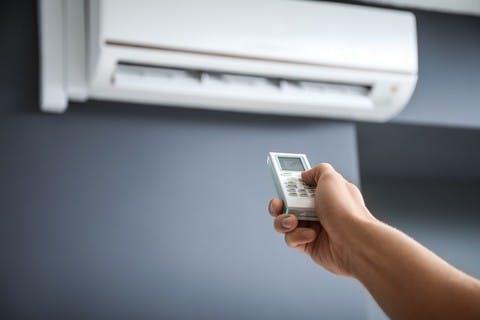 Fortes chaleurs : pouvez-vous installer une climatisation dans votre appartement ?