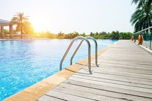 Terrasse, piscine, abri de jardin : dans quels cas faut-il un permis de construire ?