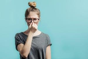 Voisins et mauvaises odeurs : que dit la loi ?
