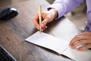 Chèque de réservation pour une location: est-ce légal?