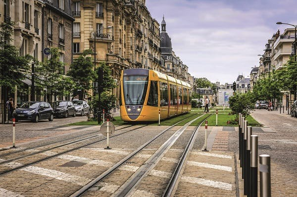 Reims fait une belle percée, 10ème ville où investir en 2016