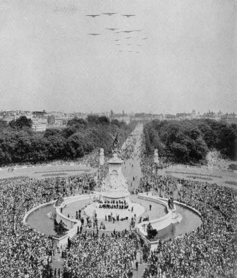 The Queen's birthday parade, 1952