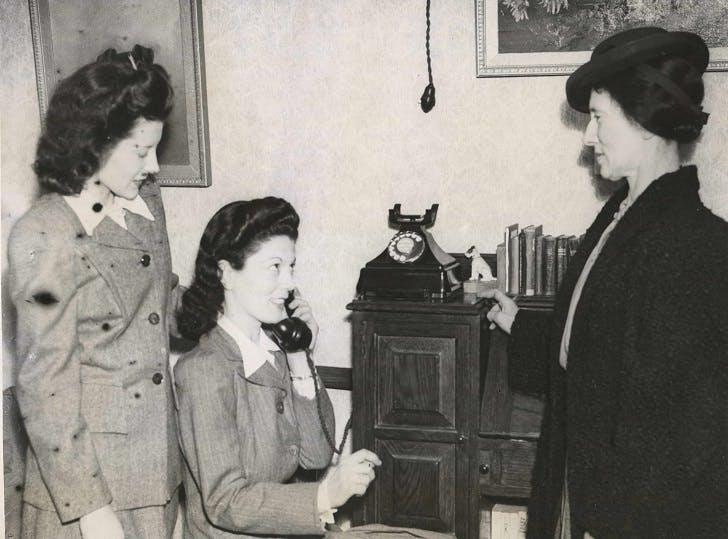 Telephone weddings during WW2