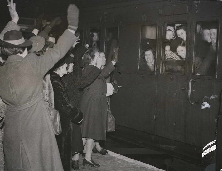 GI Brides leaving Waterloo Station