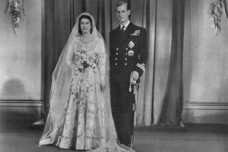 prince philip and princess elizabeth on their wedding day
