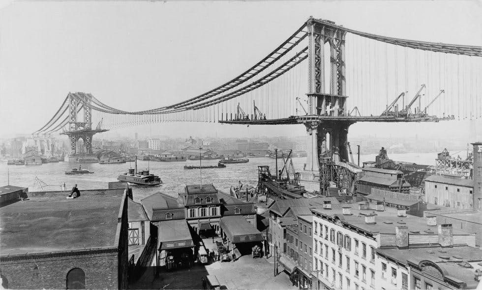 The construction of the Manhattan bridge between 1901 and 1912.
