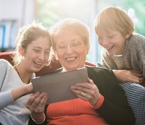 genealogy-brings-family-closer-header