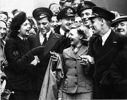 VE Day WRENS and sailors in Glasgow